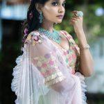 நடிகை அபர்ணதி நடிப்பில் வெளியாகவிருக்கும் படம் 'தேன்'